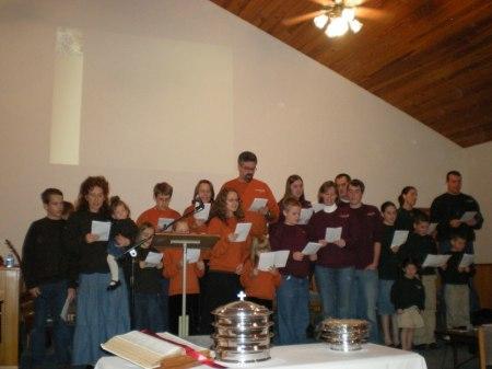 07-chr-family-song-in-church.jpg
